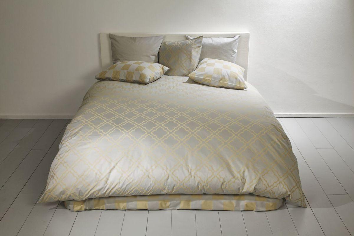 fischbacher bettw sche 339 carre gold 107 wohnaccessoires. Black Bedroom Furniture Sets. Home Design Ideas